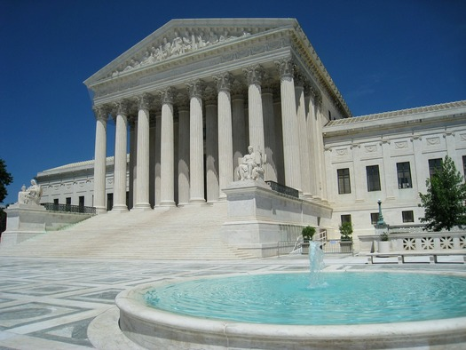 The split decision in the U.S. Supreme Court does not set a legal precedent, but could prove to be a major setback for families of mixed immigration status. (skeeze/Pixabay)