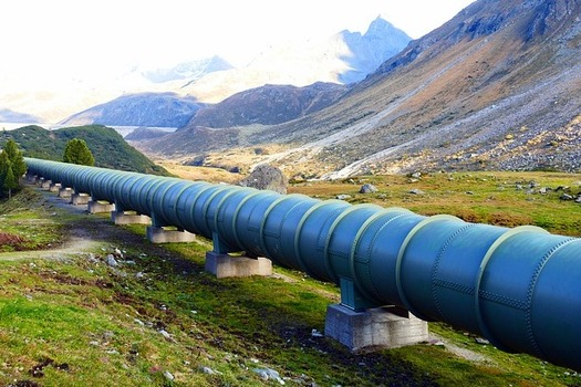 The new regulations will cover 300,000 miles of existing natural-gas transmission pipelines. (Pixabay)
