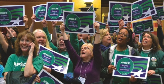 A new poll suggests most Illinois voters want Gov. Bruce Rauner to head back to the bargaining table with the state's largest employee union. (AFSCME)