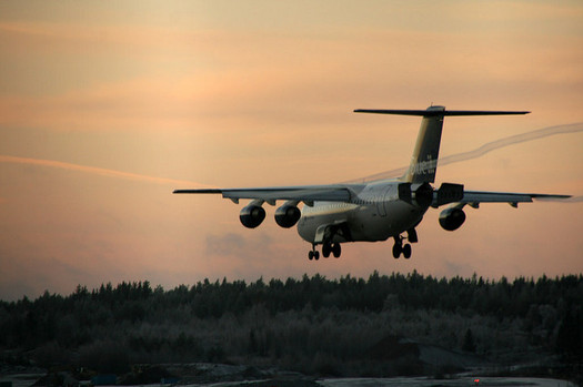 U.S. aircraft are responsible for almost 30 percent of greenhouse gas emissions from all aircraft globally, according to the EPA. (Ulrika/Flickr)