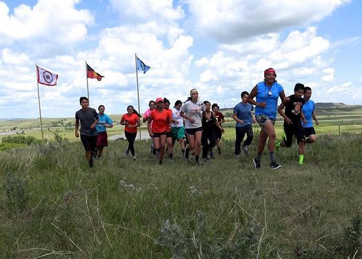 39 Native American youths are running a long relay to protest the Bakken Pipeline. (Oceti Sakowin Youth)