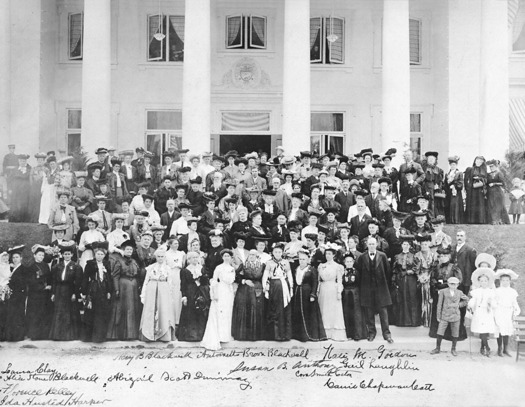 Above, delegates to the annual National American Woman Suffrage Association Convention in Portland, 1905. (Oregon Historical Society)