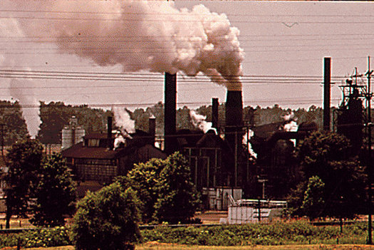 Two new reports say chemical plants and other large industries could save billions on energy costs if they implement efficiency strategies from the Clean Power Plan. (WikimediaCommons)