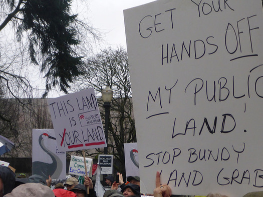 A new report analyzes the rise of anti-government groups in Oregon, including those who took over Malheur National Wildlife Refuge. (BarkWatchdogforMtHood/Flickr)