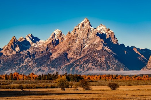 Transferring management of national public lands to the state of Wyoming would be costly, according to a new report. (Pixabay)