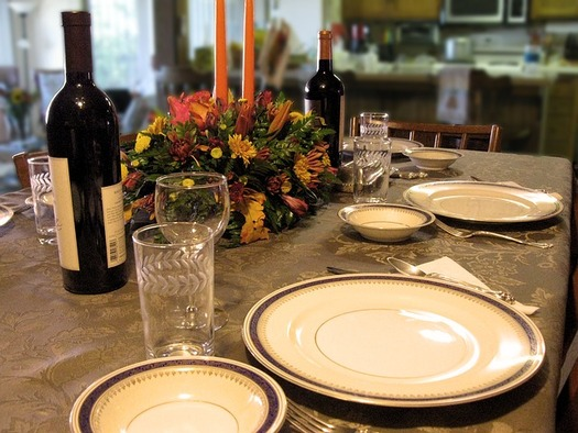 An expert says polarized political opinions at the holiday table could damage relationships. (Pixabay)