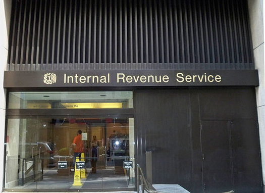 Employers are getting your W-2 information to the government earlier this year in an effort to prevent income-tax refunds from being stolen. (M. Bisanz/Wikimedia)