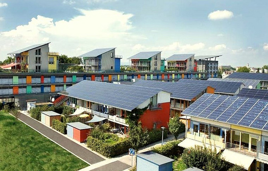 Washington state is looking to learn from other states how to develop community solar projects. (naturalflow/Flickr)