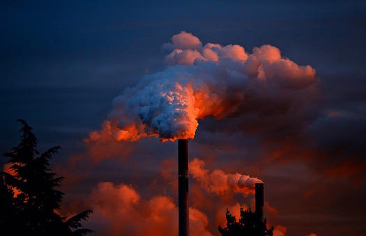 Public-health and environmental groups warn that a push to repeal federal regulations could render the Clean Air Act unenforceable. (JuergenPM/Pixabay)