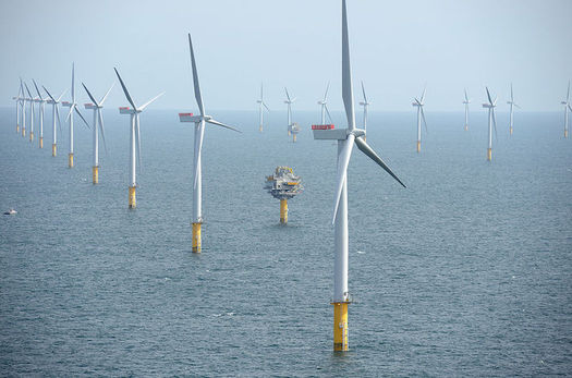 Cuomo is calling for 2,400 megawatts of offshore wind power by 2030. (NHD-INFO/Wikimedia Commons)
