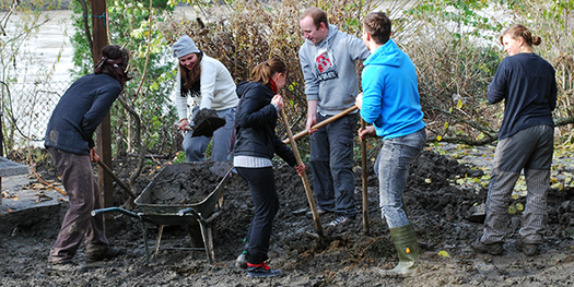 The responsibility of being a good citizen can be learned through volunteering. (Daniel Thorton/Flickr)