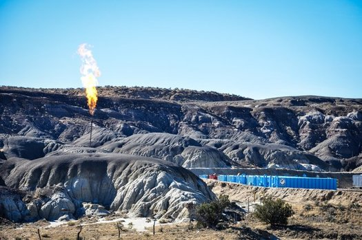 New federal rules could lead to cuts in waste gas flaring from North Dakota oil fields, but the state and some oil and gas producers have opposed them. (WildEarth Guardians/Flickr)