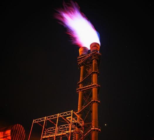Funcionarios electos de los estados del oeste presionan al Senado de los Estados Unidos para que mantengan las reglas del BLM que limitan el desperdicio de gas natural. (Pixabay)