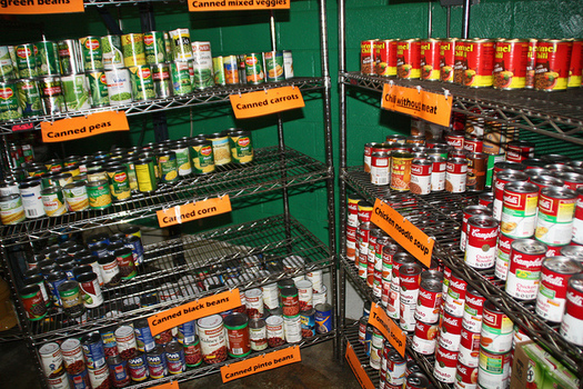 More than 53,000 Kentuckians receive food from a food bank each week, as hunger-fighting groups worry about the future of nutrition-program funding in Congress. (Foodbank2/Flickr)