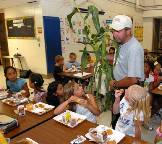 Under the Farm to School program children learn early about good nutrition. (iatp.org)