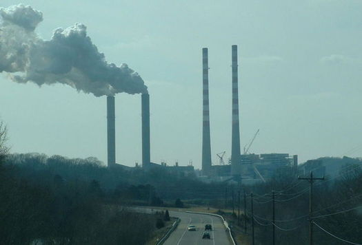 A 2009 EPA endangerment finding declared carbon dioxide pollution a danger to human health. (Riffsyphon1024/Wikimedia Commons)