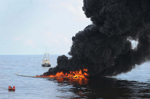 Experts say the settlement funds from the Deepwater Horizon incident could be a once-in-a-lifetime opportunity to restore the Gulf of Mexico. (US Navy)