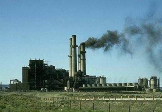 Air quality in New Mexico is an increasing concern, with seven towns or cities measuring elevated smog pollution levels for more than 50 days during 2015. (Creative Commons/Wikimedia)