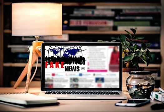 New research casts doubt on claims that social media fake news posts and search algorithms sway public opinion. (Pixabay)