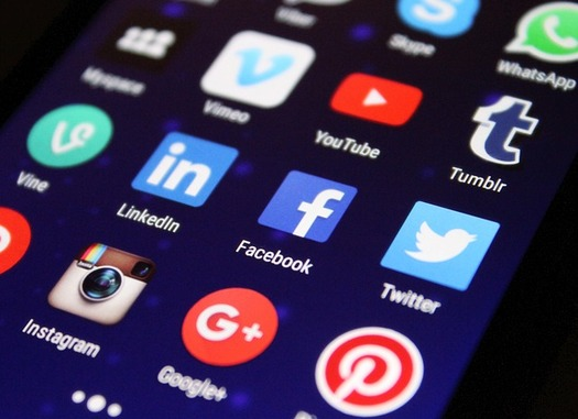 New research says fears of social media echo chambers are overstated. (Pixelkult/Pixabay)