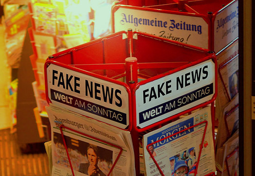 New research suggests fake news posts and search algorithms on social media are not having major impact in swinging election results (Opposition 24.de/Creative Commons)