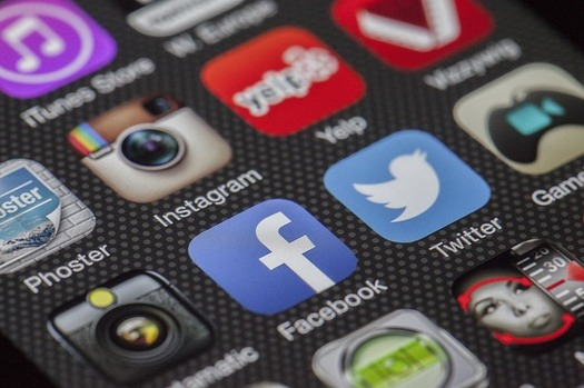 When it comes to elections, experts say fears of social media echo chambers are overstated. (Pixabay)