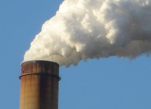 A University of Wisconsin study says old power plants that kick in to meet peak power demands are also huge polluters of the air. (Wikimedia Commons)