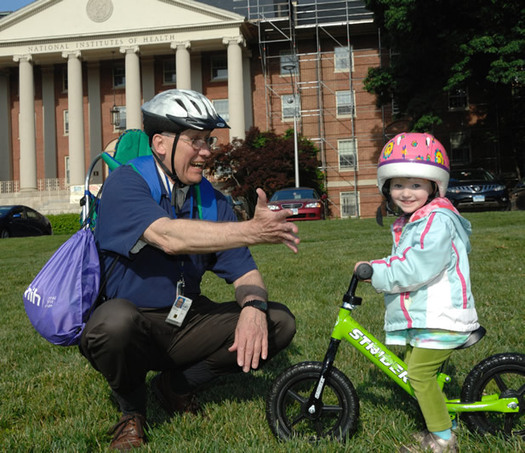 Safety experts say parents can set an example for kids when it comes to wearing a helmet. (nih.gov)