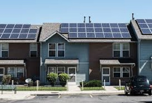 More Hoosiers are either installing solar panels or tapping into nearby sources. (energy.gov)