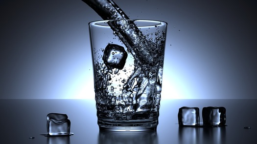Hydration is the key to avoiding heat-related illness, especially in humid climates. (Pixabay)