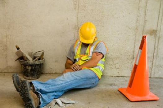 Close to half of American workers report not getting enough sleep at night. (osha.gov)