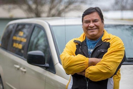 Un nuevo programa de CareOregon est� ayudando a que los miembros de tribus del estado tengan transporte y m�s, en cuanto a cuidados m�dicos culturalmente apropiados. (Confederated Tribes of the Umatilla Indian Reservation)