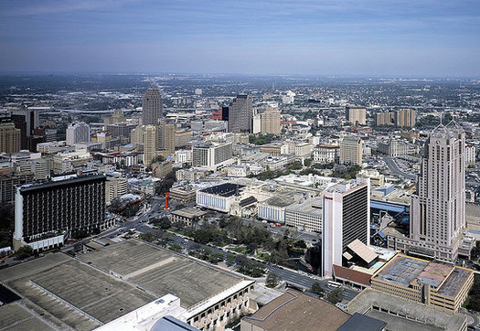 One report ranks San Antonio as the fastest-growing Texas city projected to have a rapid rise in temperatures as a result of global warming. (Carol Highsmith/Wikimedia Commons)