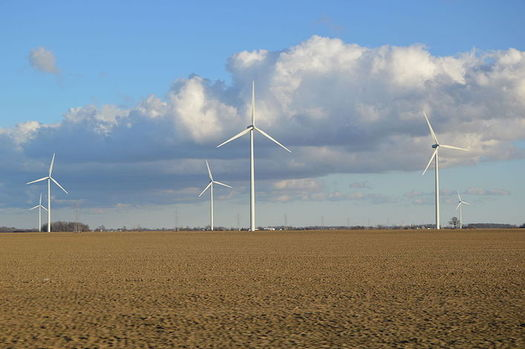 With larger, more efficient turbines, the cost of wind power has dropped dramatically. (Nyttend/Wikimedia Commons)
