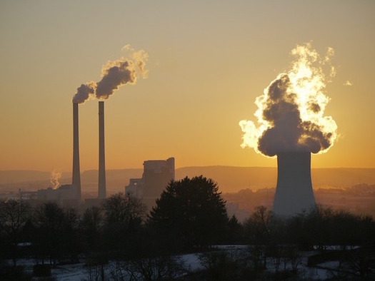 The new cap on power-plant emissions will be 65 percent below 2009 levels by 2030. (MonikaP/Pixabay)