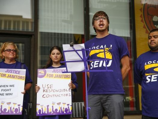On Labor Day, union membes and low-wage workers in Indiana and across the country rallied for a better deal. (SEIU)