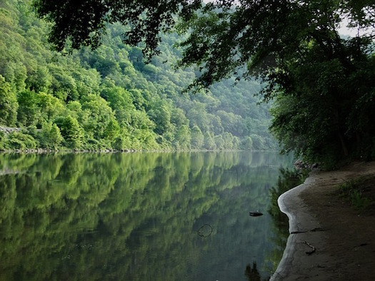 The Delaware River Basin is the source of drinking water for 17 million people. (Perkons/Pixabay)