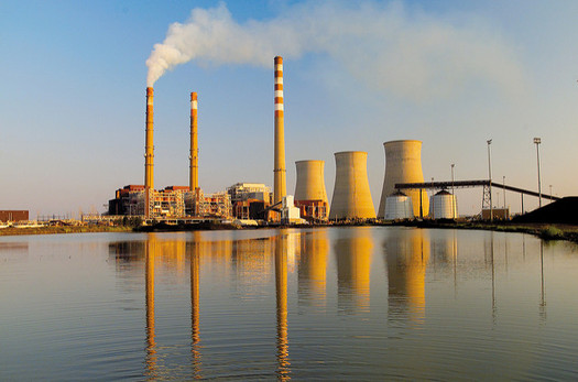 In 2007, the U.S. Supreme Court told the Environmental Protection Agency to regulate carbon as an air pollutant if emissions put public health at risk. (Tennessee Valley Authority/Flickr)