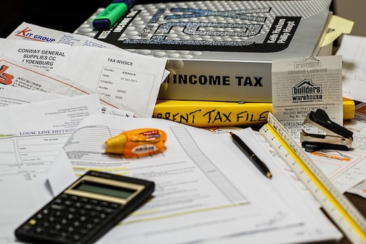 Last year, Tax-Aide volunteers helped 31,000 Connecticut residents file their state and federal income-tax returns. (stevepb/Pixabay)