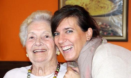 La �CARE Act� (Ley CARE) est� dise�ada para asistir a la gente que es cuidadora de un familiar enfermo o envejecido. (Pixabay)
