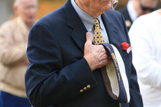 Un estudio reciente dice que el 16 por ciento de los veteranos han ca�do en las redes del fraude, comparado con el 8 por ciento de los no-veteranos. (Taliesin/Morguefile)