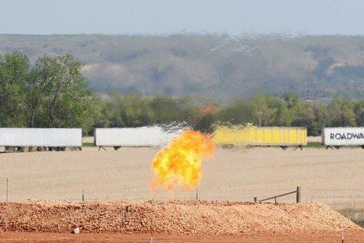 Statistics show oil and gas companies burned off or vented about 4 percent of the gas they produced on federal public lands in 2014. (Nick Lund/NPCA Frack Tracker)