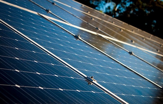 Planned transmission expansion and upgrades may not meet the near-term public goals for corporate solar and wind energy procurement, according to the Wind Energy Foundation. (Pixabay)