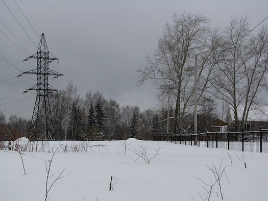 The proposed Northern Pass transmission line would include towers up to 155 feet tall. (Seregei/Pixabay)