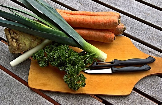 Colorado could save up to $2 billion a year on health care and other costs associated with not having regular access to nutritious food. (Pixabay)