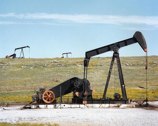 A proposed project in Converse County could lead to the extraction of 94 million barrels of oil and 5.8 trillion cubic feet of natural gas. (Pixabay)