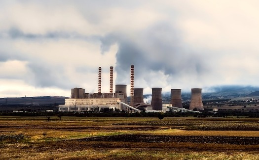 The EPA rule could allow major polluters that have reduced emissions to turn off pollution controls. (12019/Pixabay)