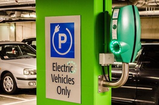 Building the infrastructure for electric vehicles will be key to reducing carbon emissions from transportation. (stanvpetersen/Pixabay)