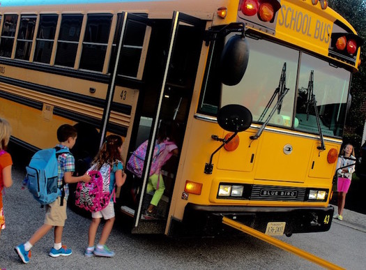 A 2017 law requires Oregon to upgrade older, diesel-powered school buses by 2025. (tmeanes77/Twenty20)