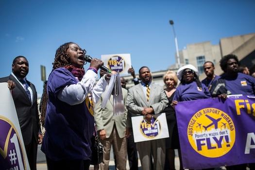 SEIU represents 25,000 workers at 37 U.S. airports. (Photo: 32BJ SEIU)